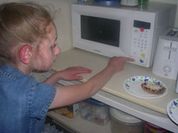 Using microwave to prepare food